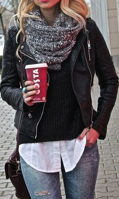 Fashino trends / leather jacket   gray scarf