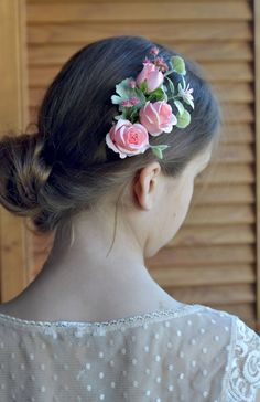 Bridal headpiece Pink rose comb Wedding flowers comb hair back rose Wedding romantic hair piece Realistic flower Bridesmaid comb by Vualia on Etsy