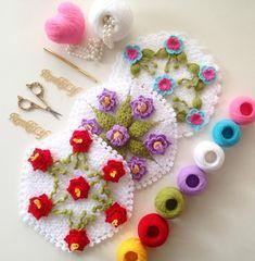Görüntünün olası içeriği: yiyecek Erdem, Crochet Earrings, Jewelry, Flowers, Jewlery, Jewerly, Schmuck, Jewels, Jewelery
