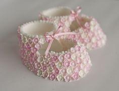 Edible pink baby booties - too cute!