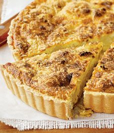 Cozy up with this savoury tart made with onions and cauliflower for a hearty meal on a cold day at home.