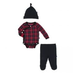 The Kickee Pants Kimono Gift Set in Christmas Plaid is the perfect newborn baby gift! Toddler Outfits, Baby Boy Outfits, Mud Pie Clothing, Trendy Baby Boy Clothes, Trendy Clothing, Baby Vans, Newborn Coming Home Outfit, Baby Christmas Gifts, Unique Baby Gifts