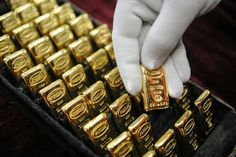 Gold Techniques And Strategies For gold bullion bars money I Love Gold, Gold And Silver Coins, Gold Bullion Bars, Gold Everything, Gold Reserve, Dollar Money, Gold Money, Black Gold Jewelry, Gold Rate