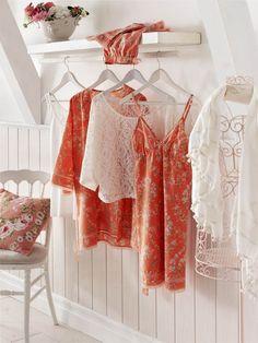 More Orange & White Light Orange, Orange Color, Orange Country, Orange Grove, Orange House, Orange You Glad, English House, White Cottage, Pink Grapefruit