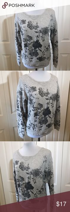 "American Eagle Gray Floral 80's Sweatshirt XS American Eagle Gray Floral 80's Sweatshirt XS Bust: 40"" Length: 21"" American Eagle Outfitters Tops Sweatshirts & Hoodies"
