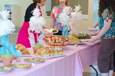 buffet table for baby shower | ... Bird Themed Baby Shower is Sweet to Tweet About | Baby Lifestyles