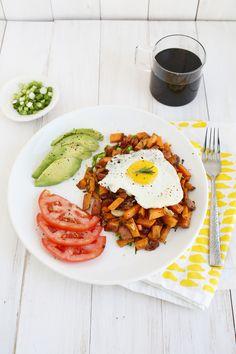 Gimmie! Sweet potato + bacon breakfast hash (click through for recipe)