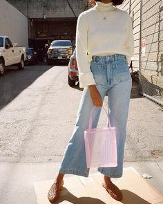 Straight Leg Pants Got Us Donating Our Skinnies - Damen Mode - Fall Outfit Look Fashion, Fashion Outfits, Fashion Tips, Fashion Trends, Womens Fashion, 2000s Fashion, Fashion Websites, Fashion Stores, Fashion Black