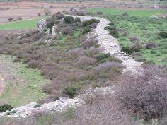 ΑΝOΠAIΑ ΑΤΡΑΠΟΣ: Η μυκηναϊκή ακρόπολη η οποία χτίστηκε πάνω σε έναν...