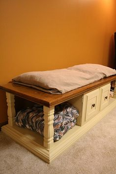 coffee table makeover- turn coffee table into a bench seat?
