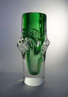 Skrdlovice Ladislav Palecek 7608  art verde di CzechGlassCollector
