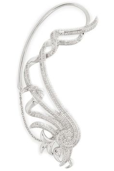 13 chic bridal earrings: Nikos Koulis ear cuff