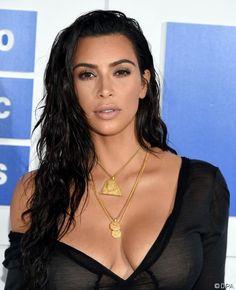 Kim Kardashian: So wehrt sie sich gegen Völkermord-Leugner!: Die 35-Jährige wehrt sich mit einer Annonce gegen Verleugnung des armernischen Genozids - http://ift.tt/2cFB3XY
