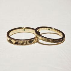 斜めに入った彫り模様がきらきらと輝くマリッジリング  [marriage,wedding,ring,bridal,K18,マリッジリング,結婚指輪,オーダーメイド,ウエディング,ith,イズマリッジ]