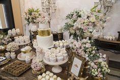 Inspiração noivado e casamento romântico rosa e dourado.