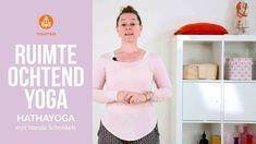 Korte meditatie om de dag te beginnen: 10 min Yoga Fitness, High Neck Dress, Workout, Stress, Mindfulness, Dresses, Sport, Film, Women