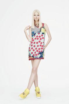 Versace pre-spring/summer 2015 fashion collection