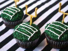 Receta de Cupcakes Campo de Americano | Los mejores cupcakes de campo de futbol americano, ideal para las personas fanáticas de este deporte.