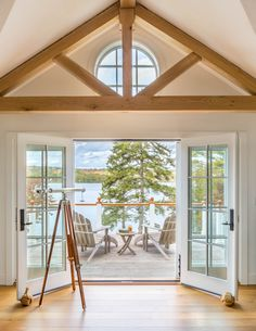 A summer home on the coast of Maine. Construction - Hewes & Company Interiors - Courtney Hollander Furniture - Giannetti Home Rustic Decor, Farmhouse Decor, White Oak Kitchen, Porch Interior, Patina Farm, Shingle Style Homes, Home Decor Bedroom, Master Bedroom, Bedroom Balcony