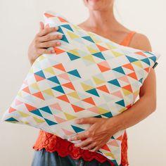 Cuscino copertina, cuscino di triangoli, blu, rosso, Lime, Orange, Pattern triangoli, Throw Pillow, Nursery Room cuscino, 16x16 cuscino - Co...