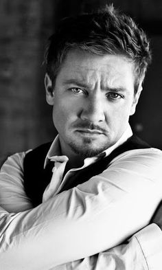 Jeremy Renner --- ummm, yes please