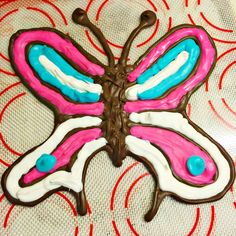 We had so much fun playing with the Chocolate Pen and creating this delicious butterfly. The Chocolate Pen from Sky Rocket Toys makes a great gift for kids. My kids love it! AD ChocolatePen