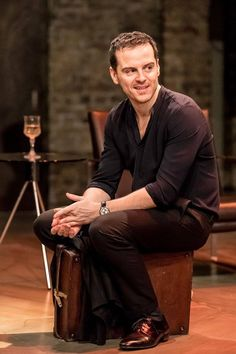 Andrew Scott as Hamlet, Almeida Theatre - I know he's gay, but a girl can always dream the impossible dream!