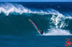 KP on a nice one at Hookipa TODAY!! Jimmie Hepp #windsurf #windsurfing #wavesailing #hookipa #maui #ezzysails @jimmie4art @pritchdog @ezzysails @starboardwindsurfing