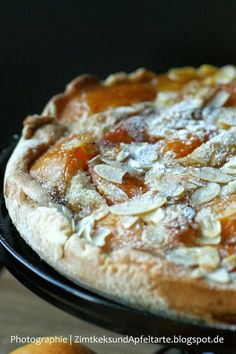 Apricot-Tarte with Almonds