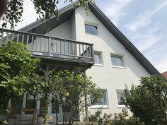 Eladó csopaki panorámás családi ház - Csopakon 180m2-es háromszintes panorámás családi ház egy 1300m2-es szépen benőtt kerttel úszómedencével - Kód: CLH18. - http://balatonhomes.com/CLH18/lakohaz-csopak-180nm-1300nm - Vételár: 44 900 000 Ft. - BalatonHomes Ingatlanközvetítés: http://balatonhomes.com/ - Telefonos elérhetőség: +36 30 474 5901 A telefonban hivatkozzon erre az ingatlan kódra: CLH18.