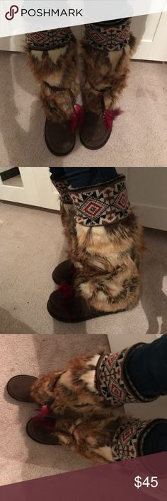 Super Cute Fur Boots ••• Great Condition ••• Shoes