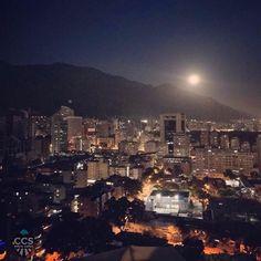 Te presentamos la selección: <<FOTO DEL DÍA>> en Caracas Entre Calles. ============================  F E L I C I D A D E S  >> @exequielrh << Visita su galeria ============================ SELECCIÓN @huguito TAG #CCS_EntreCalles ================ Team: @ginamoca @huguito @luisrhostos @mahenriquezm @teresitacc @marianaj19 @floriannabd ================ #Caracas #Venezuela #Increibleccs #Instavenezuela #Gf_Venezuela #GaleriaVzla #Ig_GranCaracas #Ig_Venezuela #IgersMiranda #Great_Captures_Vzla…
