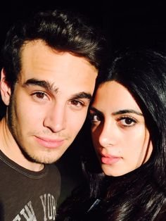 Alberto Rosende (Simon) and Emeraude Toubia (Isabelle) - Sizzy Best Tv Couples, Movie Couples, Best Couple, Shadowhunters Tv Series, Shadowhunters The Mortal Instruments, Isabelle Lightwood, Alec Lightwood, Cassandra Clare, Alberto Rosende