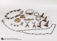 Image Originale, Charmed, Bracelets, Gold, Jewelry, Bangles, Jewellery Making, Jewels, Jewlery