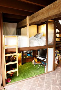 This is either a giant bed or a really really tiny office.... Cool Loft Beds, Bunk Bed With Desk, Bedroom Loft, Small Room Bedroom, Small Rooms, Small Spaces, Dream Bedroom, Bed Rooms, Dorm Room