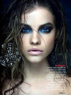 Wet Hair, Love Color on Eyes (maybe not this much! Amazing blue smokey eye-love this intense look for a photo shoot.the wet stringy hair (trending for Fall and the nude lip. Makeup Tips, Beauty Makeup, Hair Makeup, Hair Beauty, Blue Makeup, Tribal Makeup, Matte Makeup, Beauty Shoot, Blue Smokey Eye