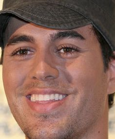 Enrique Iglesias Smiling | Enrique's smile - Enrique Iglesias