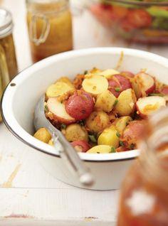 Potato Salad with Bacon Recipes Healthy Prawn Recipes, Healthy Food List, Bacon Recipes, Cooking Recipes, Side Dish Recipes, Easy Dinner Recipes, Mayonnaise, Ricardo Recipe, Potato Salad With Egg