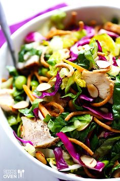 Lighter Chinese Chicken Salad -- This restaurant classic is totally easy to make at home!  | gimmesomeoven.com