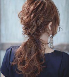 簡単にできるのにおしゃれに見えるくるりんぱは、最近ではヘアアレンジの定番となっていますよね。ハーフアップや帽子に似合う、くるりんぱで出来る簡単アレンジを5つまとめました。 Bun Hairstyles, Wedding Hairstyles, Hair Arrange, Hair Color, Hair Beauty, Dreadlocks, Long Hair Styles, Lifestyle, Fashion