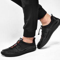 ecfa58168ee08 Men s Leather Splicing Light Sneakers Bungee Closure Casual Shoes Men  Sneakers