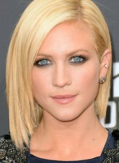 brittney snow mtv movie awards 2013 | Brittany Snow 's makeup shows the tightlining technique off clearly ...