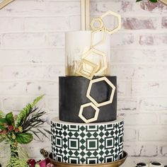#fbf to this weeks feature on @insideweddings. Here is a close up of the cake. The pattern matches the pattern of the floor at @ebelloflb where the shoot took place.
