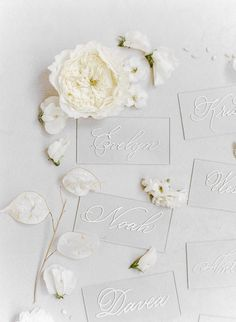 modern lucite seating cards with white calligraphy | Photography: Rebecca Yale