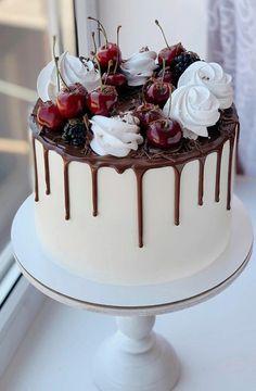 Fresh Fruit Cake, Dessert Boxes, Fake Food, Cake Decorating Techniques, Cakes And More, Cake Art, No Bake Cake, Amazing Cakes, Icing