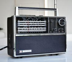 Bush Radio VTR178 Front