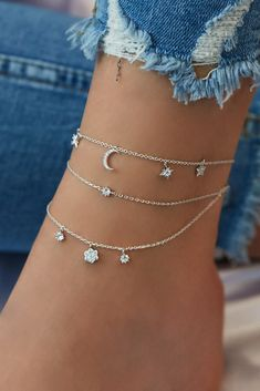 shop Looking for some unique splendid anklet, well no worries, we have huge collection of exquisite anklets fashion accessories for every occasion Stylish Jewelry, Dainty Jewelry, Simple Jewelry, Cute Jewelry, Jewelry Accessories, Women Jewelry, Fashion Jewelry, Luxury Jewelry, Fashion Earrings