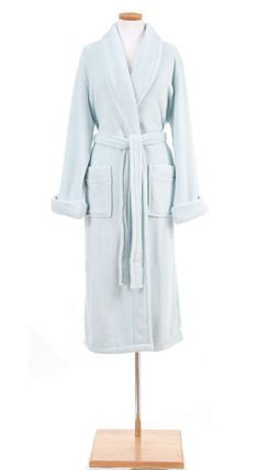 Wrap someone you love in this incredibly soft and plush fleece robe in a beautiful light blue.