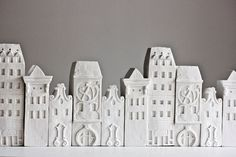 4 clay city houses architecture set - Ceramic clay houses by Artisanie Europe - pure white home decor modern wedding favors. via Etsy. Clay Houses, Ceramic Houses, Miniature Houses, Clay Tiles, Ceramic Clay, 3d Studio, Inspiration Art, Terracota, Little Houses