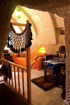 Cappadocia Cave Museum House - Huizen te Huur in Nevşehir, Akköy, Turkije Built In Bed, Earth Homes, Belle Villa, Amazing Buildings, Interior Decorating, Interior Design, Stone Houses, Humble Abode, My Dream Home